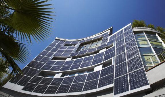 Cephelerde Kullanılan Fotovoltaik Panellerin Yangın Güvenlik Önlemleri Bağlamında İncelenmesi class=