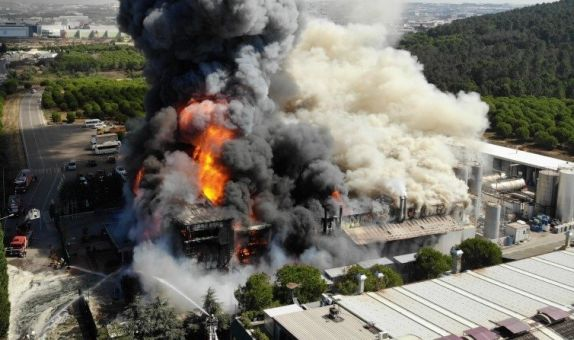 Endüstriyel Tesislerde Yangın Güvenliği class=